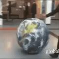 Quando vc encontra um terra planista pessoalmente e tenta convencer ele que a terra é redonda hexaloucamente