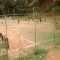 vamos jogar futebol só pra divertir...........